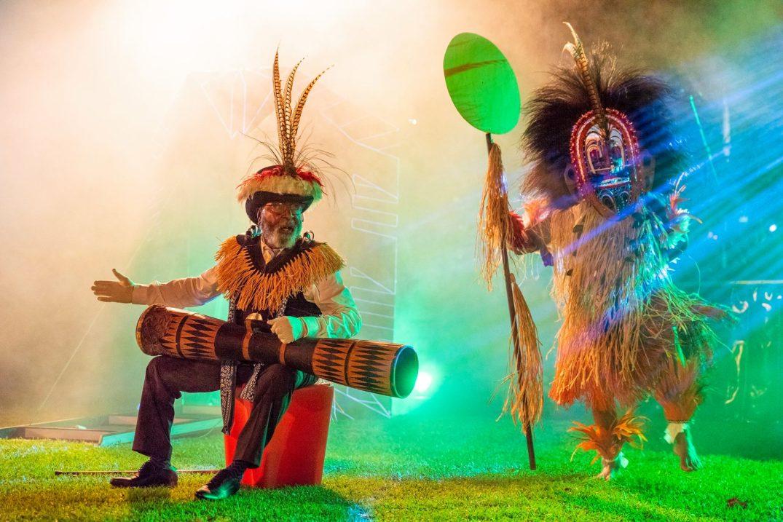AWA JEFF and dancer performs WOER WAYEPA at CIAF 2018